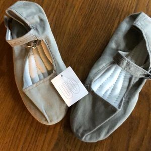Shoes - Brand New - Mary Janes